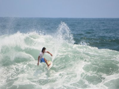 Theoretical class and surf practice in Huatulco 4hrs