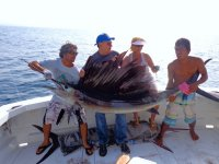 Sport fishing by yacht in Huatulco for 4 hours