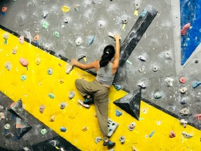 Spend a day at the climbing wall in Puebla