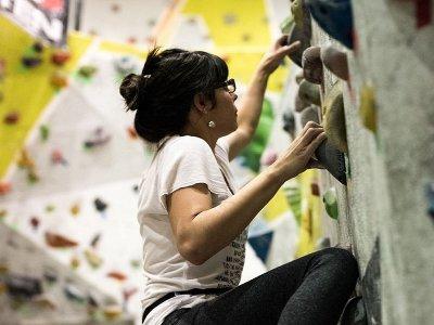 Student pass climbing wall Torres Lindavista