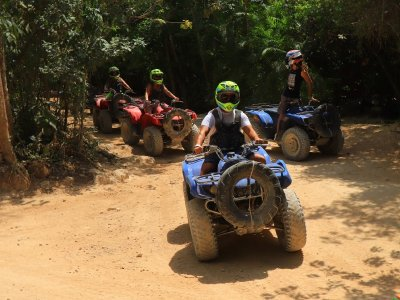 Quad bike and canopy in Puerto Morelos for children