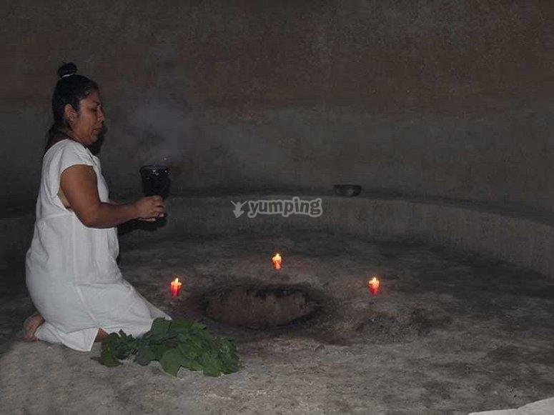 Starting the temazcal ritual