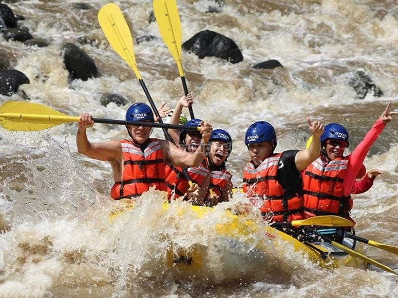 Enjoy the Pescados River and its rapids