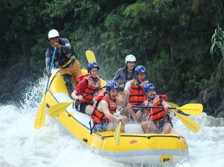 We take you to the best river from Mexico to practice rafting