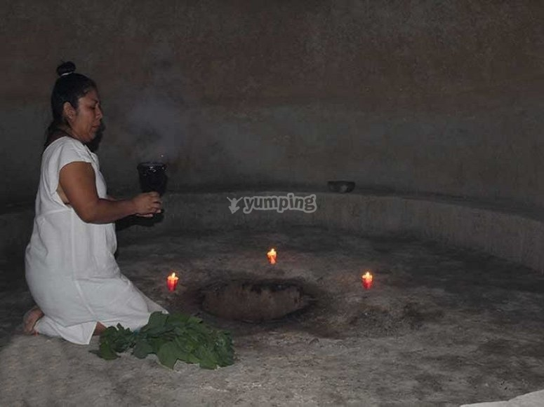 Starting the temazcal ritual
