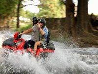 Tour en cuatri por río