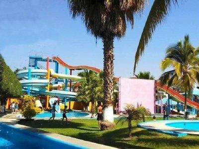 Pass to water park in Temixco 1 day children