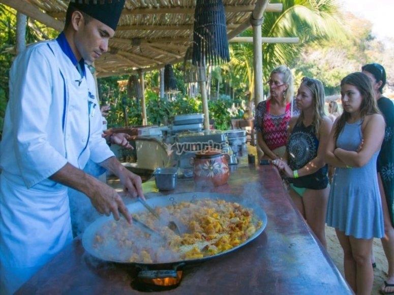 comida buffete en Islas Marietas