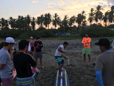 Clase de surf en Ixtapa por 2 horas y media