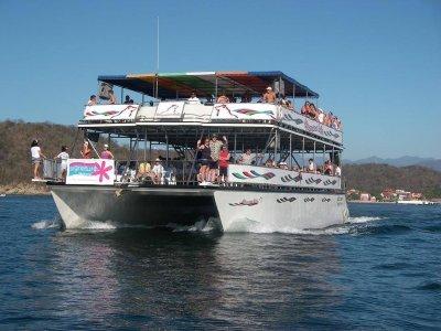 Tour en catamarán en Puerto Escondido con almuerzo