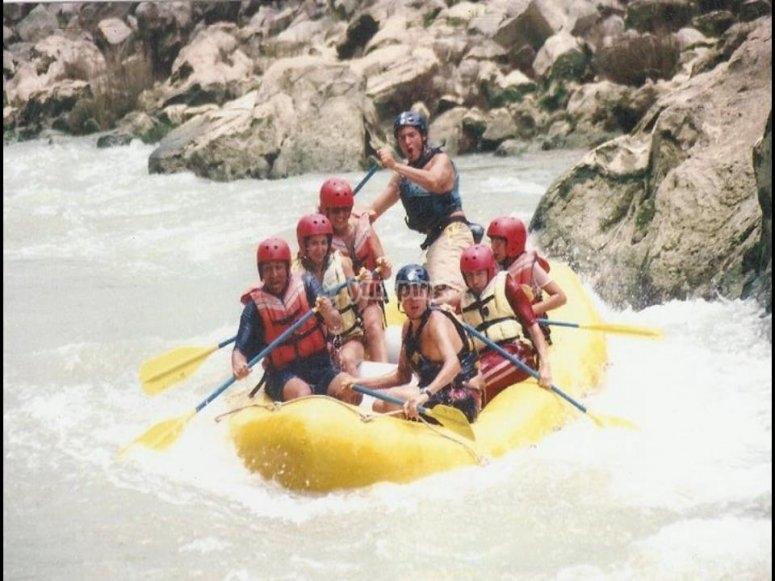 Rafting en río