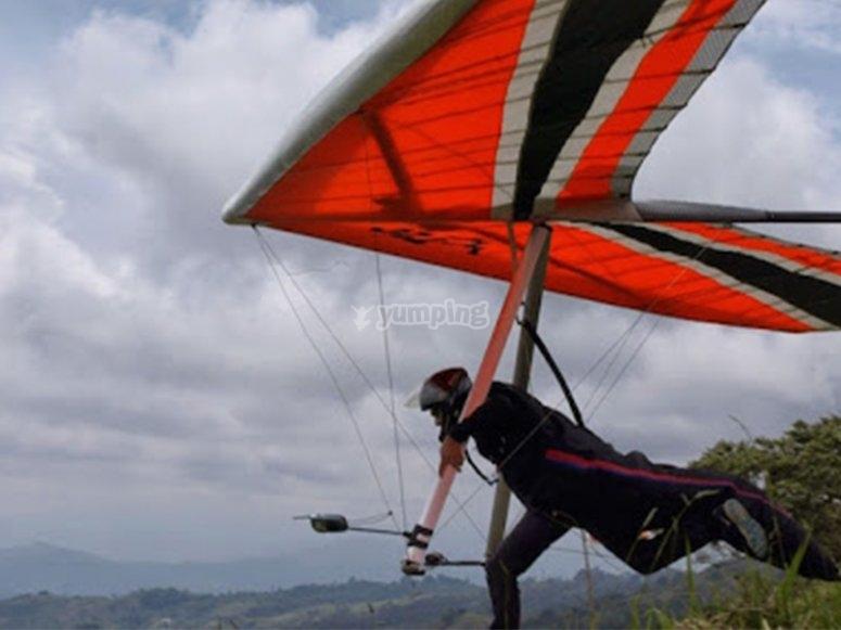 Fly for 15 min over Lake Valle de Bravo