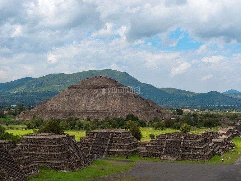 Teotihuacán al amanecer