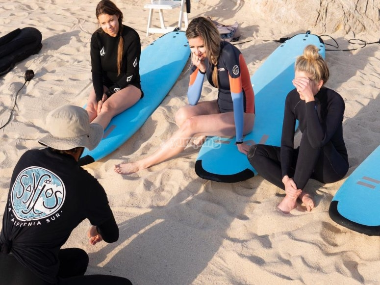 Aprendiendo surf en San José del Cabo
