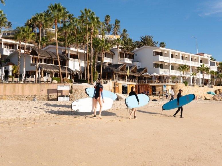Surfistas en San José del Cabo