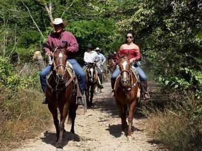 Guided horseback riding in Jalcomulco for 2 hours