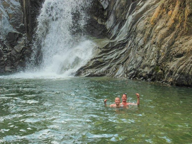 Refréscate en la cascada de Vallarta