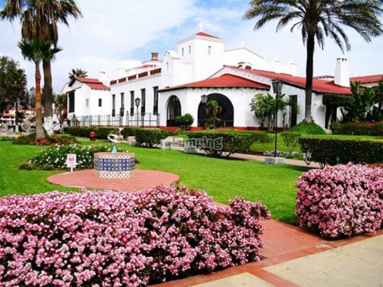 Visita el Ex Hotel Riviera del Pacifico
