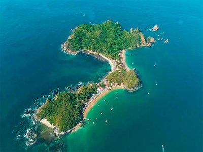 Tour en barco a Isla Ixtapa con comida por 6 horas