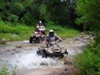 Al agua con la moto