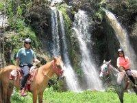 Recorre valle de bravo en caballo