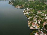 Look at the lake of Morelos
