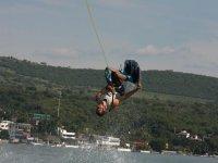 Be an acrobat in el agua