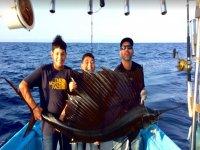 Pesca deportiva en familia en Barra de Navidad