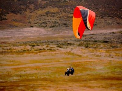 Paragliding flight over Valle de Guadalupe 15 min