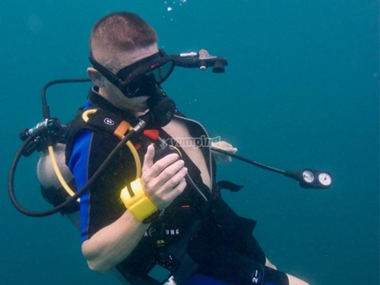 Disfruta del fondo marino con el equipo necesario
