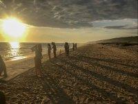caminatas a la orilla del mar