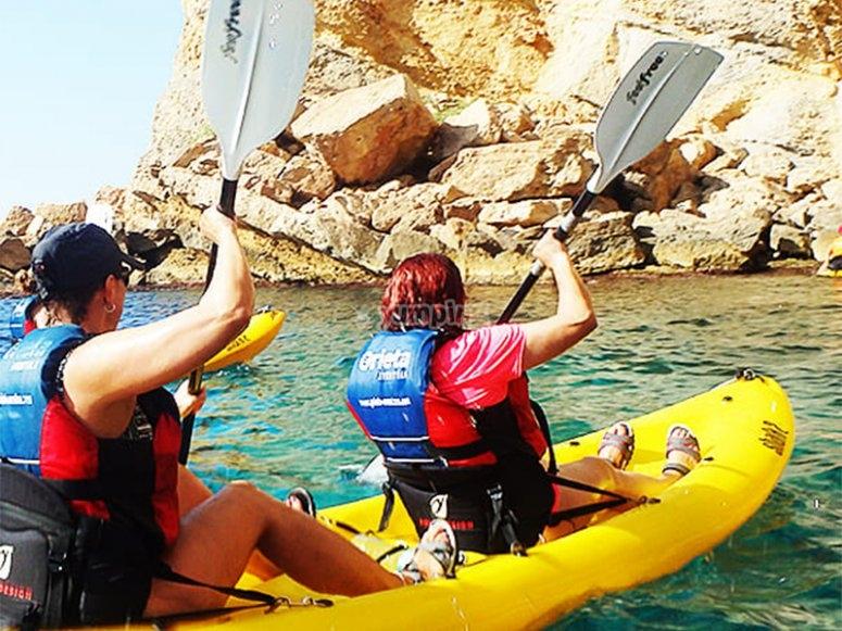 Disfruta en compañía de una travesía en Kayak por Guaymas