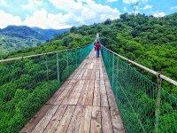 Atravesando el Puente Colgante de Mazamitla