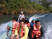 Subiendo el rio en lancha