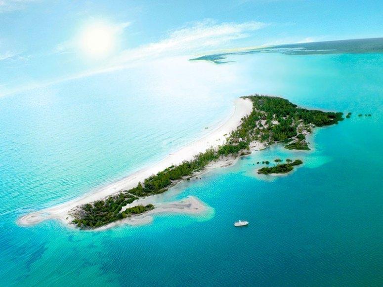 Visit the Holbox island