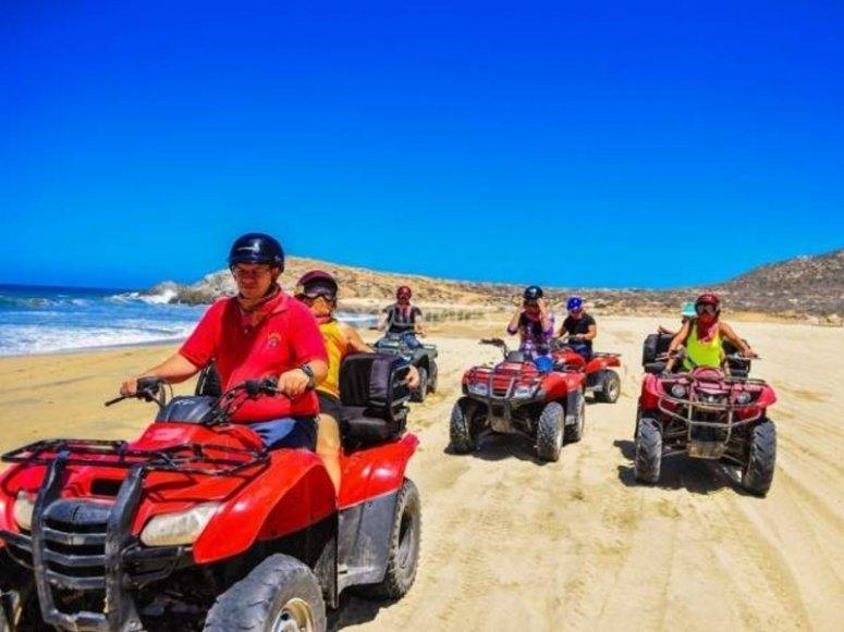 Recorre en cuatrimoto la costa de Los Cabos
