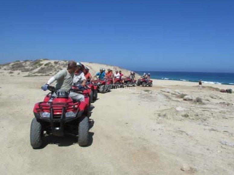 Vive la experiencia de un tour en cuatrimoto por Los Cabos