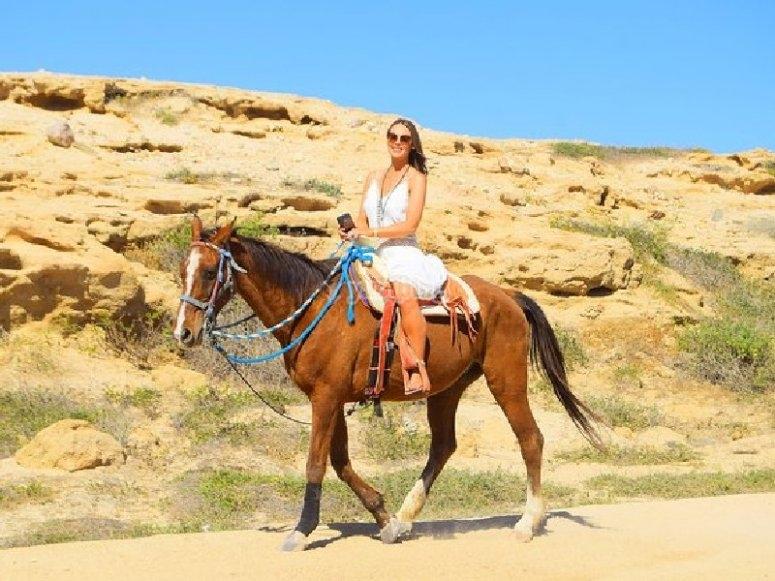 Pasea a caballo en Los Cabos