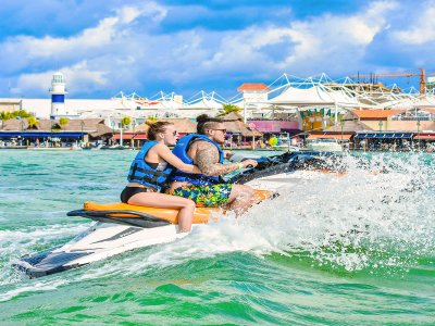 Waverunner ride in Cancun for 1 hour