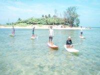 paddle surf en isla de en medio