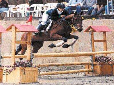 Escuela Técnica de Equitación Antonio Godinez