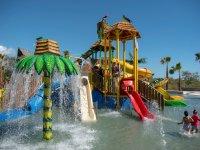 Parque acuático incluido