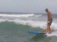 Niña en surf