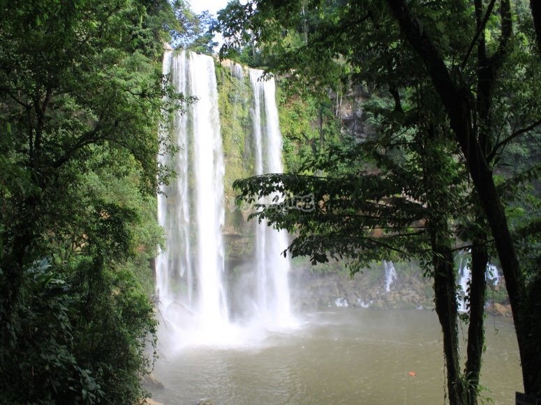 Cascadas y paisajes