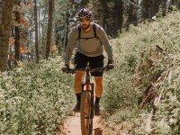 Recorre las rutas más extremas haciendo ciclismo de montaña