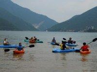 Recorre en Kayak la presa de la boca en Monterrey
