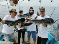 Grupo de pesca deportiva en Barra de Navidad