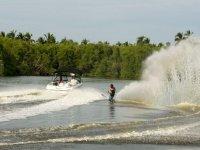 expertos en ski acuático