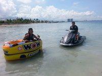 conduce motos de agua