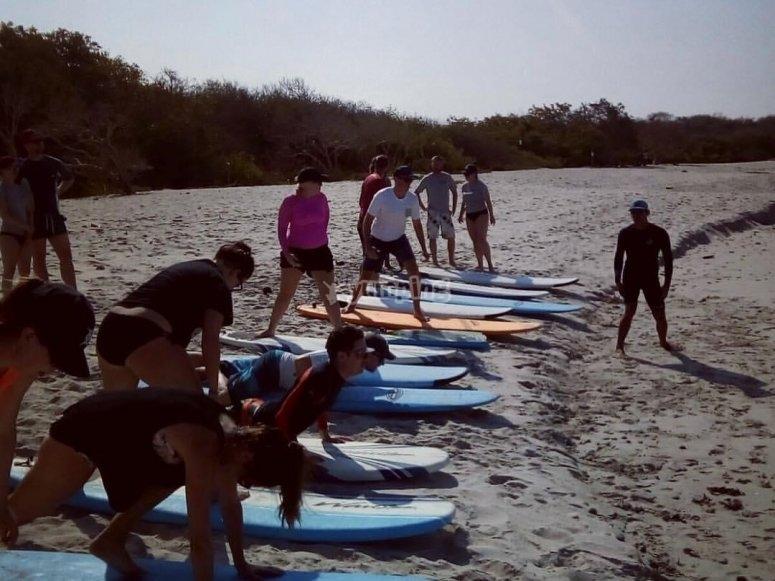 Practicas de surf en la arena